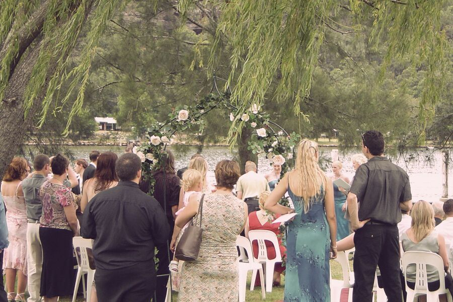 Outdoor Wedding Ceremony at Del Rio Riverside Resort