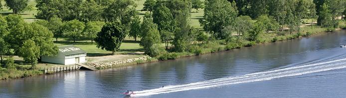 hawkesbury-water-skiing